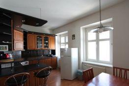 Prenájom 2izbový byt Bratislava-Staré Mesto, Grösslingova ulica