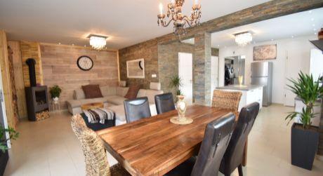 4 - izbový exkluzívny rodinný dom 113 m2, pozemok 380 m2 - Rajka
