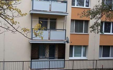 Veľký tehlový 4 izbový byt 85 m2 s lodžiou, 12 km  od  B. Bystrice, po rekonštrukcii – Cena 77 000€