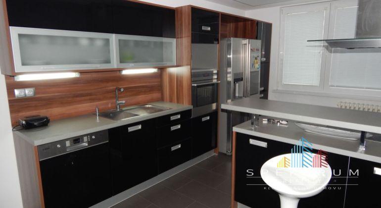 Na Predaj 2.5 izbový byt, 83 m2, Žiar Nad Hronom, Etapa