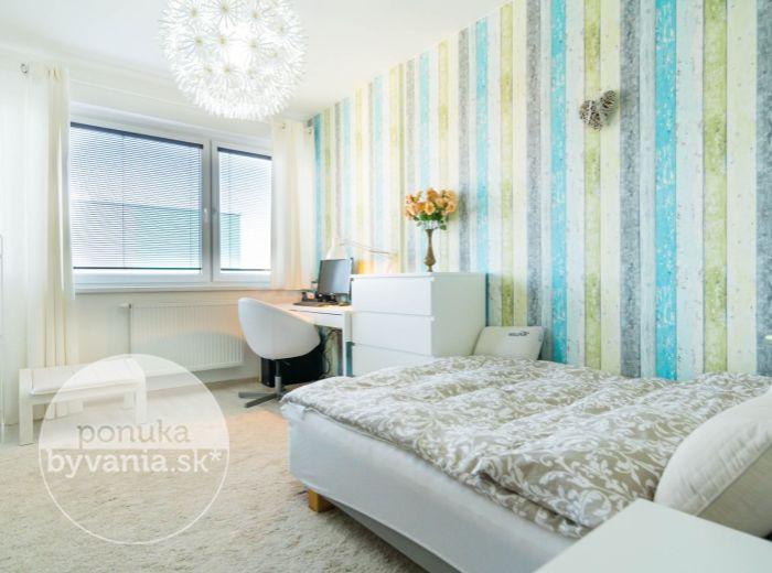 REZERVOVANÉ - KVETNÁ, 2-i byt, 62 m2 - novostavba, VLASTNÉ PARKOVANIE, tichá lokalita, IHNEĎ VOĽNÝ