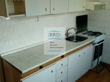Ponúkame na predaj 3 izbový priestranný byt v centre mesta