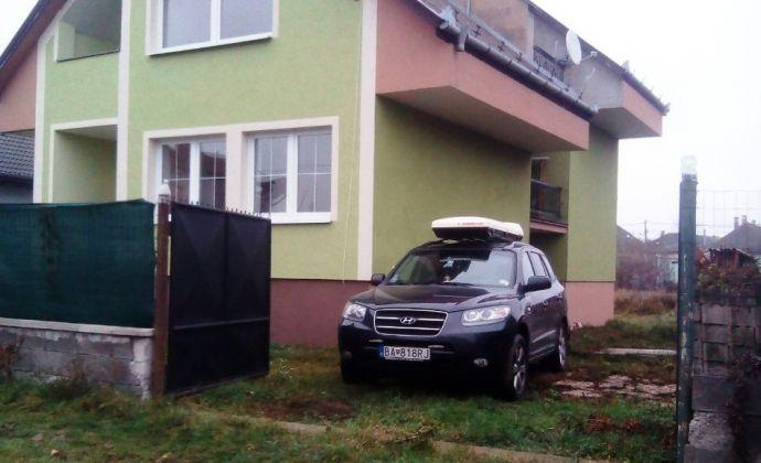 Rodninný dom v príjemnom a tichom prostredí v Gabčíkove.