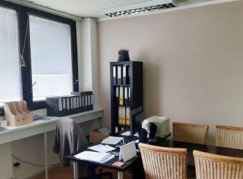 BA Trnavská cesta – veľmi pekná kancelária 20 m2, parkovanie zadarmo.