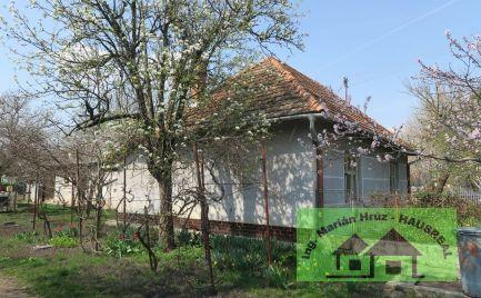 Vidiecky 4-izbový dom, 110 m2, 11 árový široký pozemok, Horný Pial