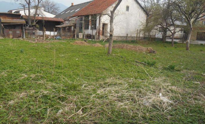 Predaj pozemok s rodinným domom - Priekopa - Martin