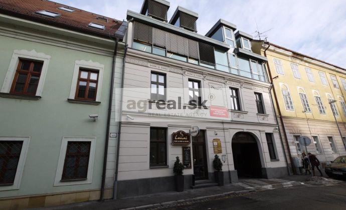 Nadštandardné kancelárske priestory s parkovaním, 103,10 m2 terasa, Panenská ulica, 2 parkovania, od 1.6.2019