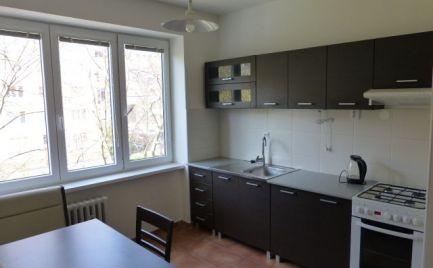Kompletne zrekonštruovaný a zariadený 2i byt s balkónom v blízkosti Račianskeho mýta.