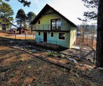 Novostavba rekreačnej chaty na brehu Liptovskej Mary, Ráztoky – Liptovský Mikuláš