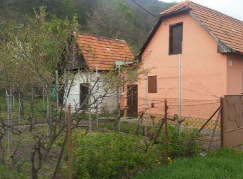 PREDAJ RD HRONSKY BENADIK, POZEMOK  973m2, ID 004-12-MIK