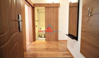 MODERNÝ Slnečný 2-izb byt / 47m2 s loggiou, CENTRUM / Palárikova