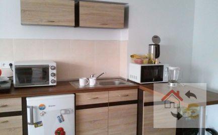 Prenajaté do 1.6.2020 - Nadštandardný 1 izbový byt s kuchynským kútom, komplet rekonštrukcia, plne zariadený