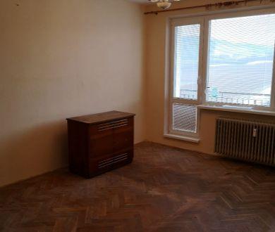 Ponúkame na predaj  priestranný 3 izbový byt v Ilave.