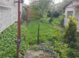 --PBS-- Stavebný pozemok o výmere 1164 m2 so starším rodinným domom, obec BOLERÁZ