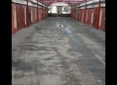 Ponúkame na predaj garáž v Ružinove na Chlumeckeho ul.,
