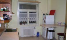 CENTRUM MESTA: 2,5izb. byt, 2 samostatné veľké izby + 1/2 izba, Gorkého ulica
