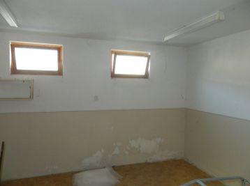 Exkluzívne predáme väčšiu garáž v Seredi