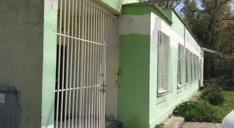 PRENÁJOM - Sklad s kanceláriami a s možnosť nákladky tovaru v Komárne