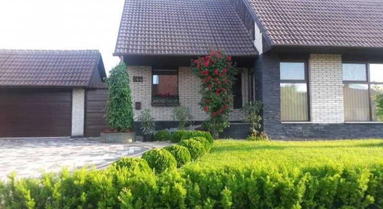 NOVÁ CENA - Pekný dom vo Vrádišti
