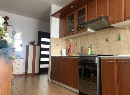 3 izbový byt s balkónom Topoľčany  Juh