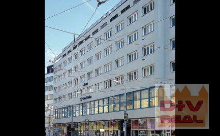 Prenájom: 2 podlažný obchodný priestor, Štúrova ulica, Bratislava I, Staré Mesto, na frekventovanej križovatke v centre, v blízkosti pešej zóny