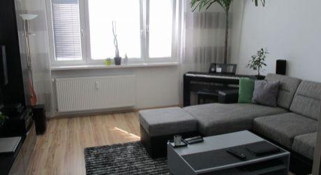 Veľkometrážny 61m2 kompletne prerobený 2iz.byt Zlaté Moravce