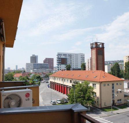 StarBrokers – PREDAJ: veľký 2-izbový mezonet - byt 78 m2 s balkónom Bratislava Nové Mesto, Riazanská ul.