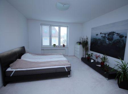 3 izbový tehlový byt /77,7 m2, pri OC Max/ Trenčín