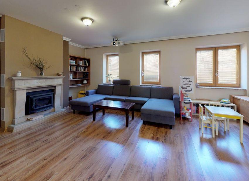 Priestranný rodinný dom,  300 m2 s veľkým pozemkom výmery 723 m2,  Piešťany