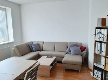 BA ul.Svornosti – veľmi pekné kancelárie 23 a 35 m2.