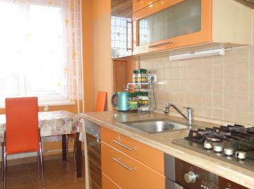 Na predaj kompletne zrekonštruovaný 3 izbový byt Trenčín, veľký balkón
