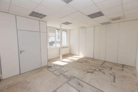 IMPEREAL - prenájom - kancelársky priestor 26,5 m2, 1. posch., Polianky, Bratislava IV.