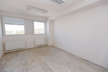 IMPEREAL - prenájom - kancelársky priestor  24,08 m2,  5. posch., Polianky, Bratislava IV.