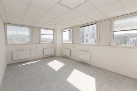 IMPEREAL - prenájom - kancelársky priestor 24 m2,  6. posch., Polianky, Bratislava IV.