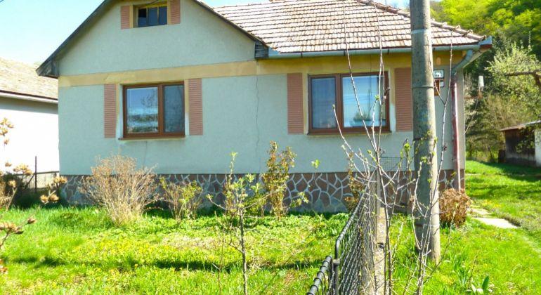 Rodinný dom na predaj, Poltár, tichá ulica...