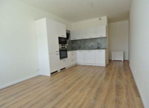 Prenájom,  3- izb. (60,2 m2 + 2m2 loggia), ešte neobývaný byt v čerstvo skolaudovanom komplexe MamaPapa s garážovým státím, ul. Nejedlého, Bratislava IV- Dúbravka