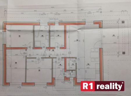 Rodinný dom 4 - izbový 105,60 m2 + terasa / pozemok 659 m2 v obci Ivanovce