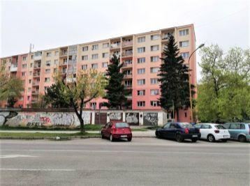 REZERVOVANÝ! Na predaj 2- izbový byt na Považskej 4, Luníku I, časť Terasa pri Univerzitnej nemocnici v Košiciach.