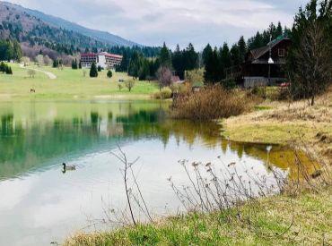 Lukratívny pozemok blízko jazera v rekreačnej oblasti Krpáčovo, 421 m2