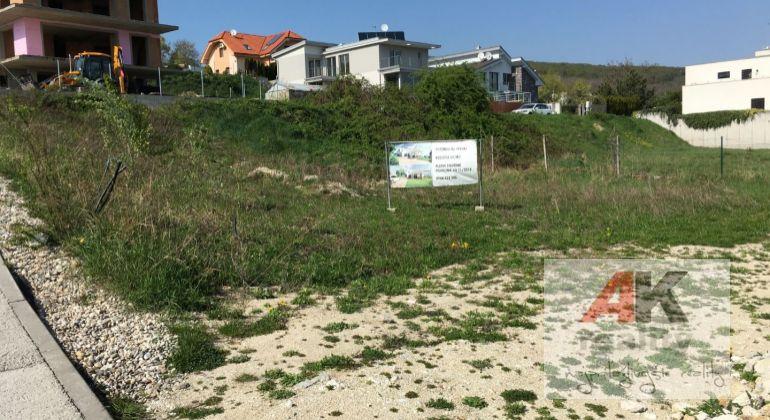 Predaj pozemok pre rodinné domy Bratislava-Rača, ulica Pri kolíske