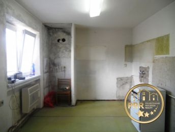 Predaj 2-izb.bytu /56m2/ + 2 pivnice v Bánovciach n/B.