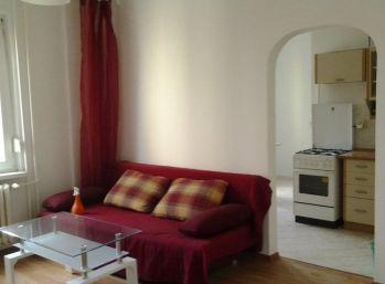 Zariadený 1 izbový byt v Ružinove