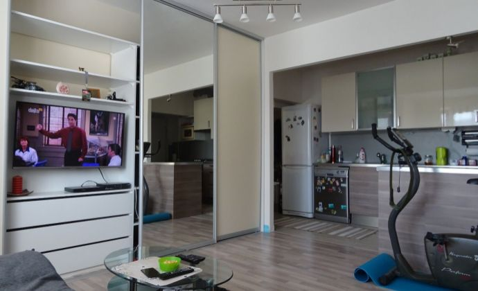 2,5 izbový byt v Dúbravke s loggiou