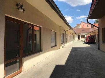 Obchodný priestor na Halenárskej 140m2 + podkrovie