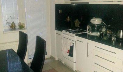 Ponúkame Vám na prenájom zariadený 2 izbový byt v novostavbe  Bratislava-Vajnory, ulica Šachorová