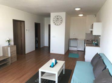 Na prenájom príjemný 2 izbový byt na Budatínskej ulici