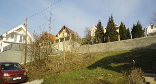 Na predaj pozemok 328 m2 Kostolná Ves okres Prievidza 79040