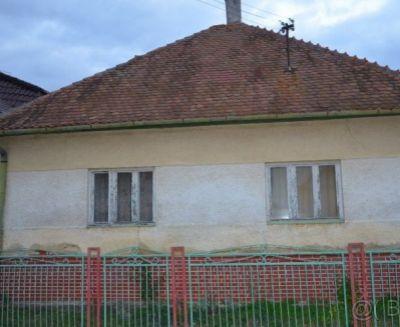 Na predaj 2 izbový rodinný dom 819 m2 Skačany okres Partizánke 79042