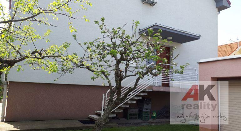 Priestor vhodný ako kancelária so skladom, Vranovská ul., Bratislava