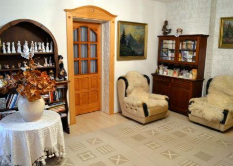 Na predaj 4i. rodinný dom z dreva a mramoru na 510m2 pozemku, Svätý Jur
